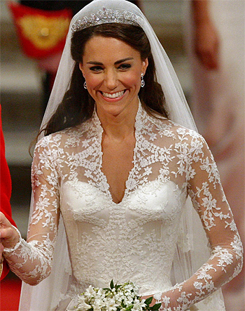 Wedding what is kate wearing now for Princess catherine wedding dress